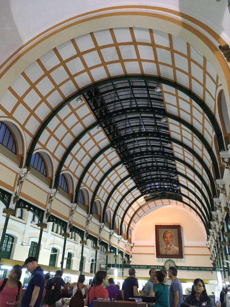 """Edificio de """"Correos"""" en Saigon"""